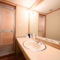 【本館】10畳+4畳の洗面室・一例
