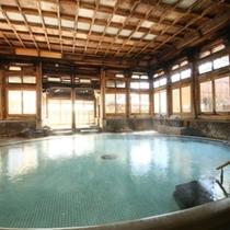 日本を代表する大浴殿・有形文化財の【桃山風呂】