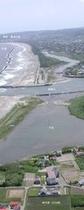 海岸線と河口 縦 説明