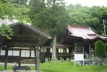 離れ 平家山荘近く【縁結びの神様 宇津木薬師堂】ご本尊は33年ごとにご開帳されます。