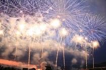 信州一の3万発の諏訪湖の花火大会 2
