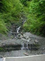 ★ゼロ磁場から歩いて15分 こちらで水を汲む方もいらっしゃいます★
