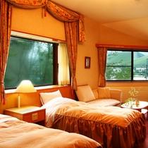 【デラックスツインルーム】角部屋のため、広めの間取り設計と、開放的な空間が特徴です