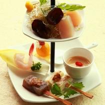 【にぎやか前菜】信州の食材や特産を織り交ぜて。愉(たの)しい食事の始まりです