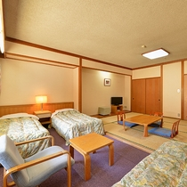 *和洋室(一例)/バストイレ洗面別。広々としたお部屋はファミリーでのご利用にオススメ。