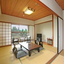 【広々和室12畳】阿蘇山や日本庭園を眺めながら寛ぎのひと時を