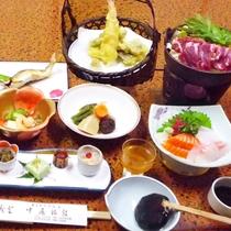 *【夕食一例】メインのお肉料理と旬の味覚を盛り込ん彩り豊かな和食をご提供。