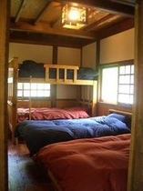 陽だまりいっぱいの寝室・・・陽だまりの家