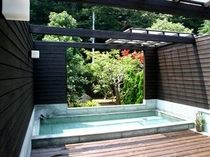 「伊豆石」露天風呂