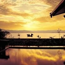 峰望(ほうぼう)の湯 露天風呂からの夕景