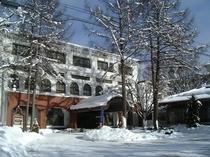 ホテル外観 冬