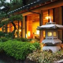 玄関の夕景