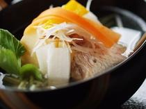 鯛潮汁。食は心を豊かにすると考えます。体を温め、そして心をあたためます。