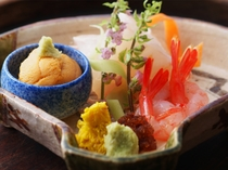 日本海の恵みをうけたお造りは絶品です。