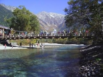 秋の上高地河童橋風景