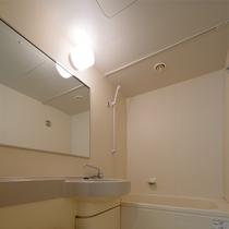 バス・洗浄機付トイレ完備