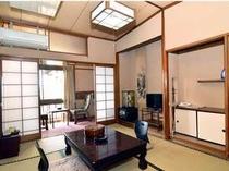 【客室】アットホームな暖かい雰囲気の和室