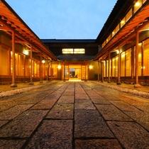 玄関前の石畳