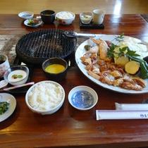 宮崎地鶏「地頭鶏(じとっこ)」の炭火焼きをご堪能下さい。