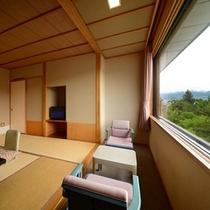 別館北の丸和室(庭側の一例) 中庭の日本庭園より山形の四季の素晴らしさをご体感ください