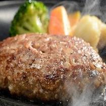 憧れのお肉 100%米沢牛のじゅうじゅうハンバーグ 音と匂いと共に溢れる肉汁