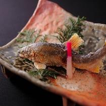 お料理の一例(夏・川魚)