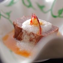 お料理の一例(飛騨牛柔らか煮)