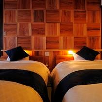客室の一例(スーペリアルーム112)ベッド