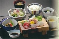 お造り御膳(一階レストラン芝井川メニュー)