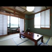 眺めのよい和室のお部屋です。