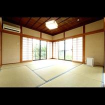 【離れ】離れには、和室2間といろりのお部屋がございます。