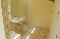 シャワー(浴槽なし)付きパウダールーム