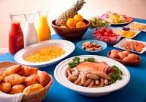 朝食バイキング(7:00〜9:00)