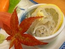 八郎潟で採れる【白魚】のお造り