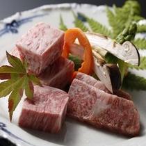 松茸と3種飛騨牛ステーキ