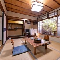 【町家風和室10畳】ゆったりと落ち着いたお部屋でお過ごしください。