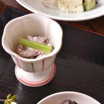 【ご夕食(八寸)】家庭的な味わいのある京料理(一例)