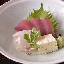 【ご夕食(刺身)】家庭的な味わいのある京料理(一例)