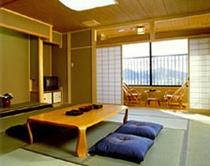客室【8畳〜16畳】