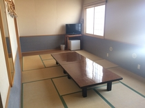 16畳和室(市街側)富士急ハイランドも見えます