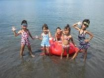 プライベートビーチで海水浴.1