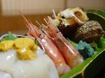 さざえ、甘海老、いか、ウニ…。日本海の新鮮な海の幸。