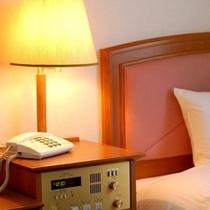 ベッドサイドボード
