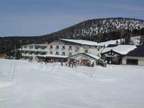 ホテル全景 冬