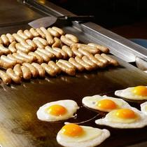 【朝食メニュー】目玉焼きとウインナー