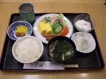 朝食盛り付け例8