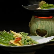 【山菜料理】さくさくの天ぷらは、山菜の苦みが苦手な人にも食べやすい♪