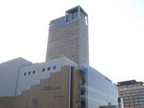 北側からのシンボルタワー