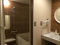 特別和室のお風呂と洗面