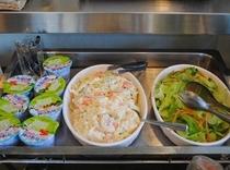 ポテトサラダと野菜サラダ